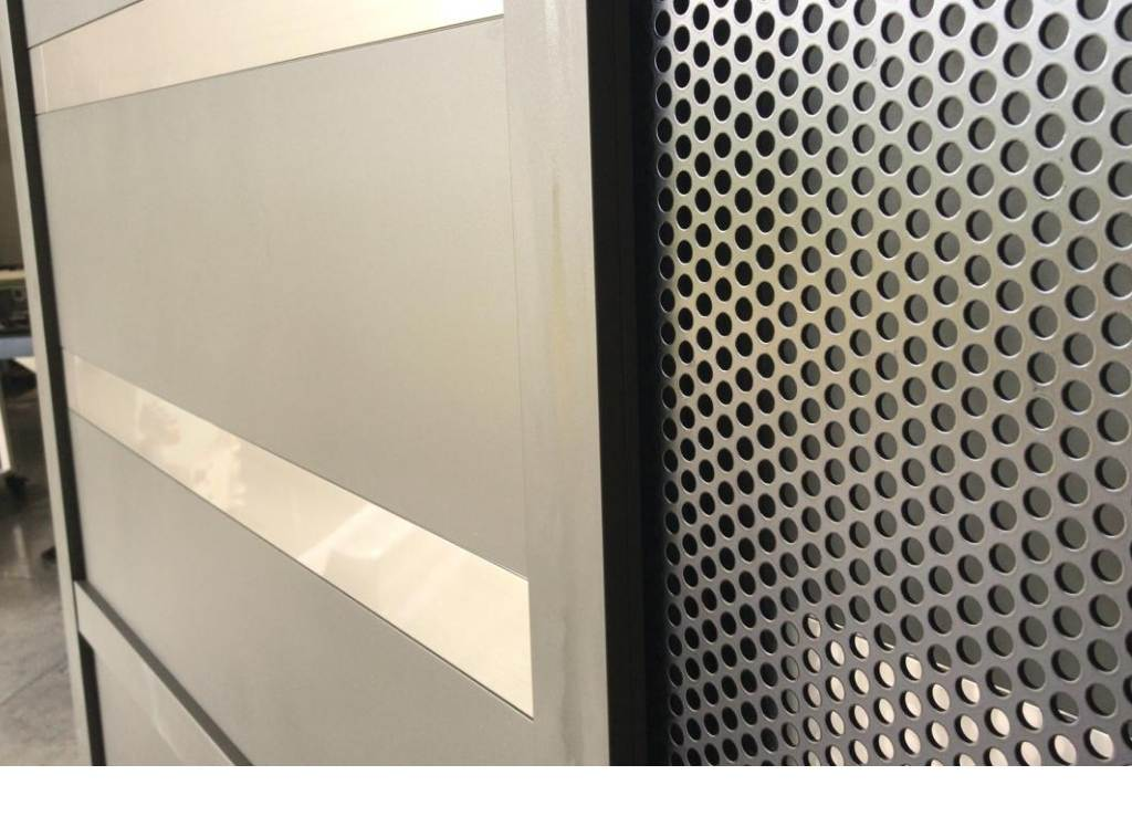 portail-graphite-technal-coulissant-laquage-gris-tole-ajouree-aluminium