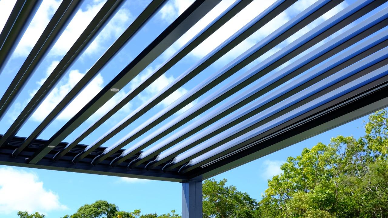 pergola suneal bioclimatique technal aluminium lames orientables