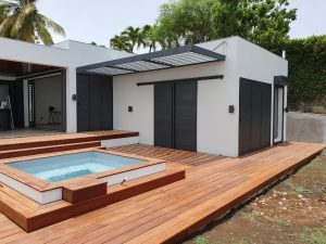 volet-aluminium-coulissant-technal-noteal-couleur-anthracite-villa-guadeloupe