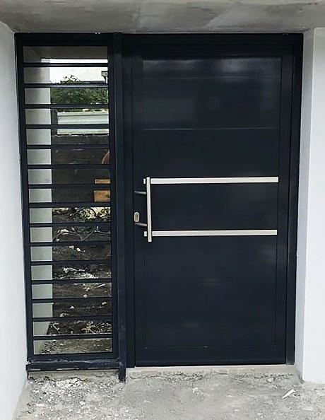 porte-entree-aluminium-menuiserie -sur-mesure-noire